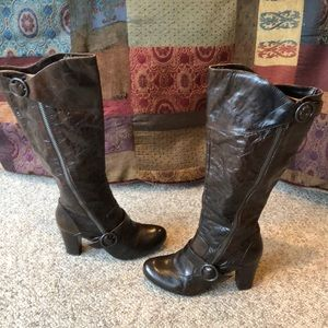 Born brown tall harness buckle boots size 9.5